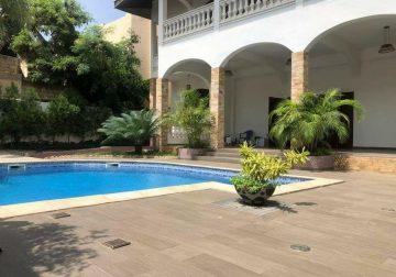 Villa de 5 chambres à louer à Mermoz