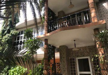 Immobilier, villa à louer au point E