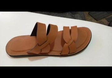Chaussures  de Ngay (Chaussure en cuire