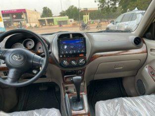 Entreprises AKDR mali commerce général international Toyota rav4 2005 essence bien climatisé automat
